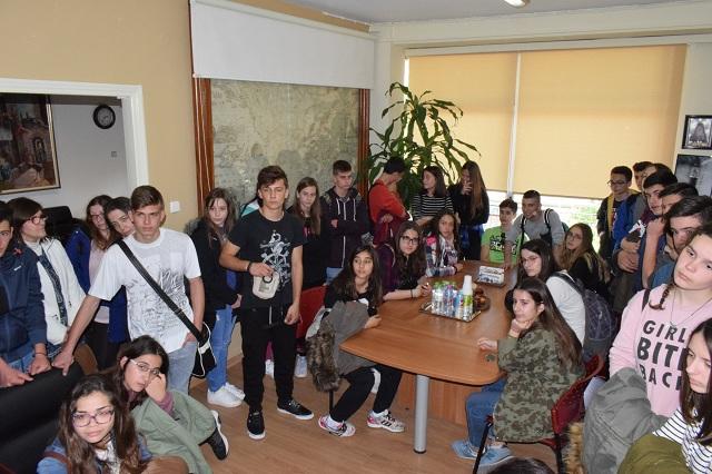 Μαθητές από το Αργος και τη Λευκάδα στο Βελεστίνο για τη Χάρτα του Ρήγα