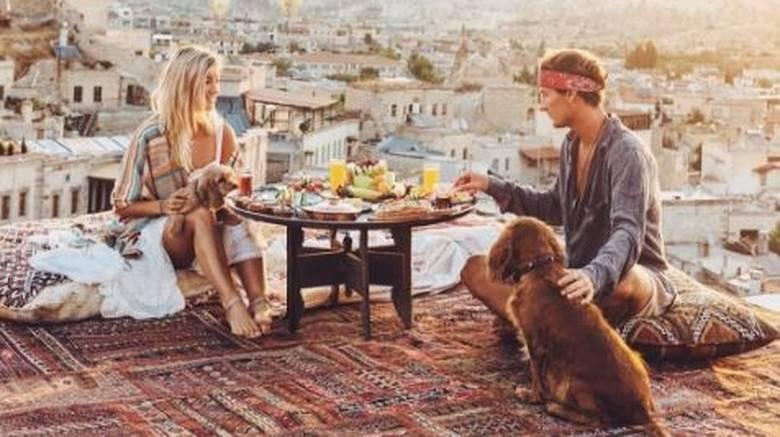 Πώς αυτό το ζευγάρι κερδίζει 9.000 δολάρια για κάθε φωτογραφία στο Instagram