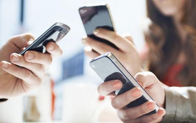 Εμφύλιος επιστημόνων για την ακτινοβολία από κινητά τηλέφωνα