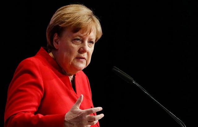 Οι νεαροί Γερμανοί στηρίζουν την Μέρκελ