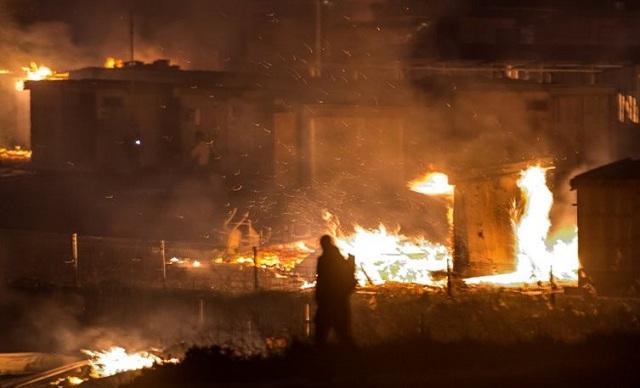 Γαλλία: «Χάθηκαν» 600 άτομα μετά την πυρκαγιά στον καταυλισμό προσφύγων