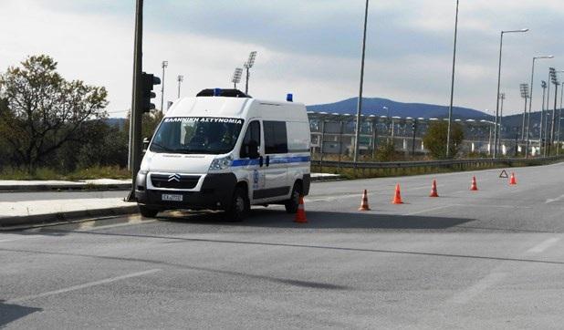 Γυναίκα παρασύρθηκε από φορτηγό στην οδό Βόλου στη Λάρισα