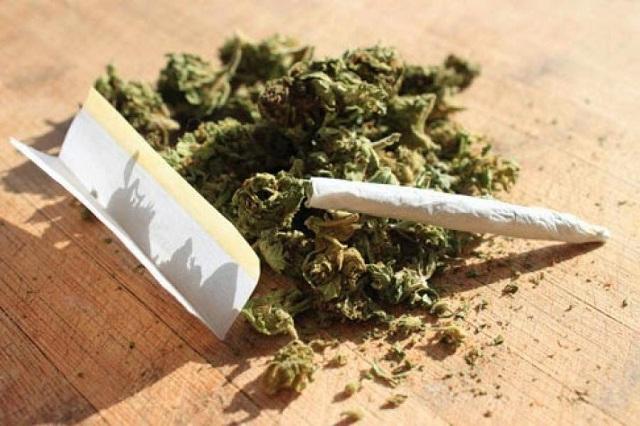 51χρονος κατείχε κάνναβη και αφορολόγητο καπνό