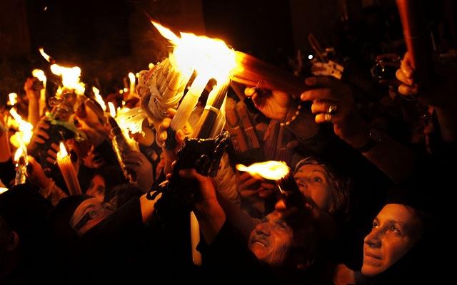 Αύριο η διαδρομή του Αγίου Φωτός από τα Ιεροσόλυμα. Στις 18:00 στο Ελ.Βενιζέλος
