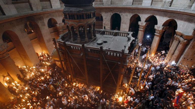 Στην Αθήνα σήμερα το απόγευμα το Άγιο Φως