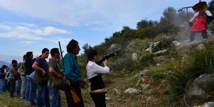 Ναύπλιο: Δεκάδες οπλοφόροι «εκτέλεσαν» τον Ιούδα στην Ασίνη