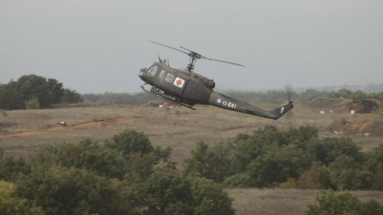 Xάθηκε ελικόπτερο του στρατού με 5 επιβαίνοντες στη Λάρισα