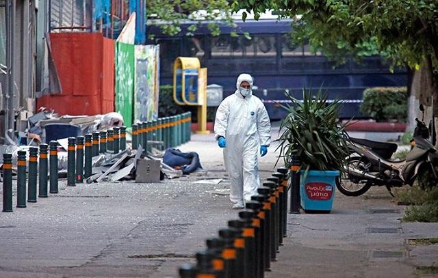 Βόμβα στη Σανταρόζα: Πού στρέφονται οι έρευνες, τι «βλέπει» η αντιτρομοκρατική