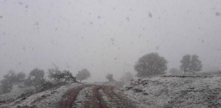 Κι όμως στα Καλάβρυτα χιονίζει!