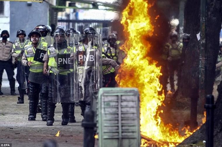 Βία και αίμα στους δρόμους του Καράκας