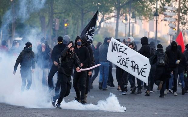 Σοβαρά επεισόδια στο Παρίσι μετά την ανακοίνωση των εκλογικών αποτελεσμάτων