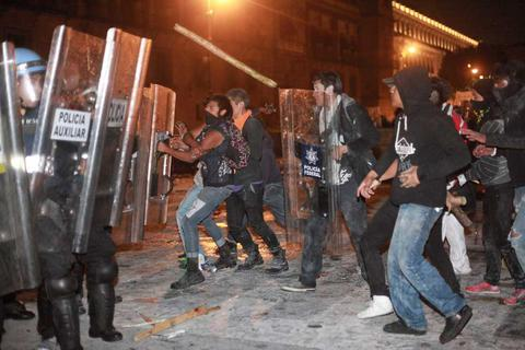Μεξικό: Τουλάχιστον 35 νεκροί σε συγκρούσεις συμμοριών καρτέλ ναρκωτικών
