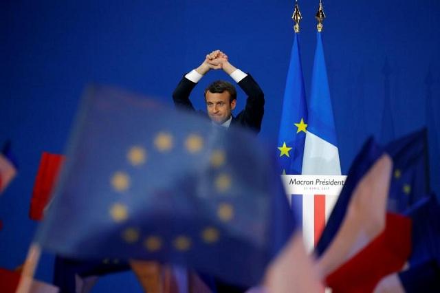 Τι σημαίνει για την Ελλάδα η επικράτηση του Εμ. Μακρόν