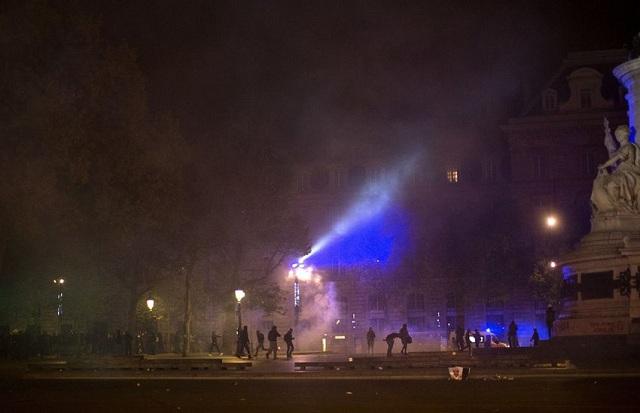 Γαλλία: Υπό κράτηση 21 άτομα έπειτα από «αντιφασιστικές» διαδηλώσεις