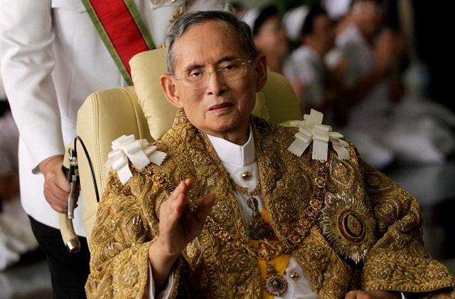 Ένα χρόνο μετά το θάνατο του θα αποτεφρωθεί ο τελευταίος βασιλιάς της Ταϊλάνδης