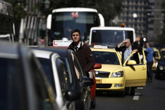 Στον δρόμο 13 ώρες εβδομαδιαίως οι Ελληνες
