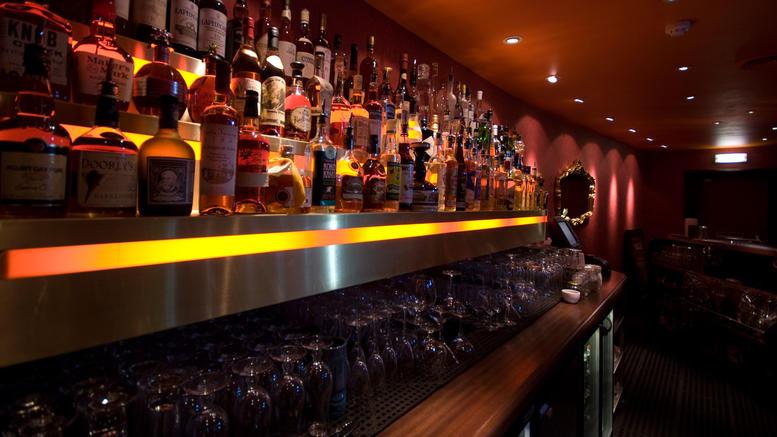 «Σήκωσαν» 23.000 ευρώ από το ταμείο γνωστού μπαρ της Γλυφάδας