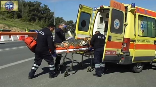 Επειγόντως νέα ασθενοφόρα ζητά το προσωπικό του ΕΚΑΒ