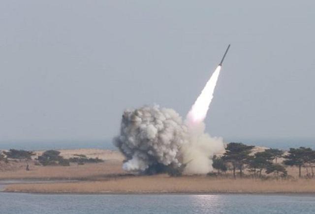 Aποτυχημένη δοκιμή βαλλιστικού πυραύλου από τον Κιμ Γιονγκ Ουν