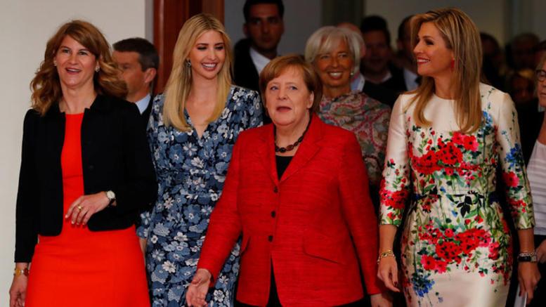 Γκάμπριελ κατά Μέρκελ: Υποδέχτηκε την Ιβάνκα σαν βασίλισσα
