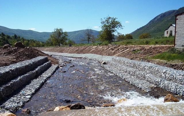 Αποκατάσταση ζημιών και αντιπλημμυρικά έργα σε ρέματα της Ελασσόνας