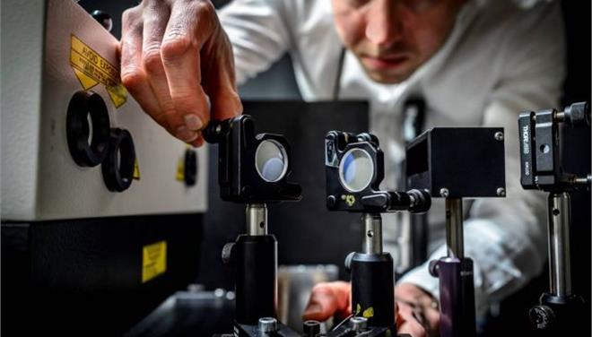 Κάμερα - αστραπή τραβά 5 τρισεκατομμύρια εικόνες το δευτερόλεπτο