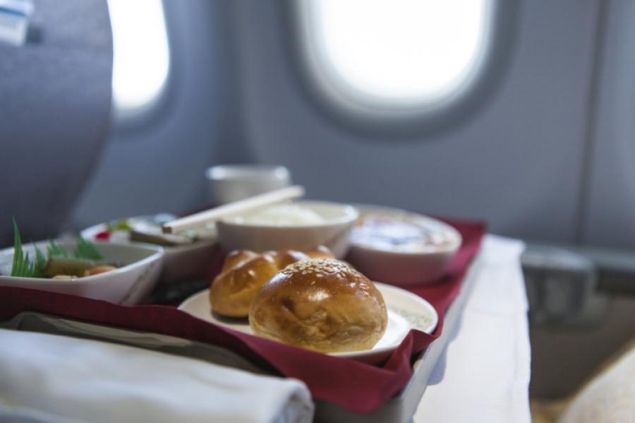 Είναι το πιο αηδιαστικό φαγητό αεροπλάνου & το σερβίρει η εταιρεία της Β. Κορέας!