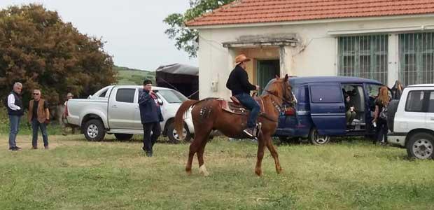 Τραυματισμός αναβάτη αλόγου που αφηνίασε στην 6η Ιππική Συνάντηση