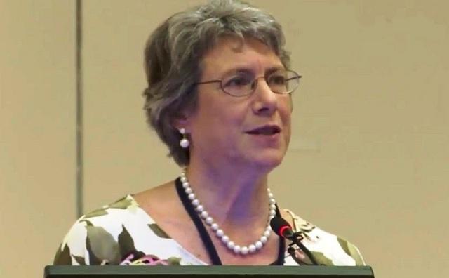 Αμερικανίδα καθηγήτρια στο Βόλο