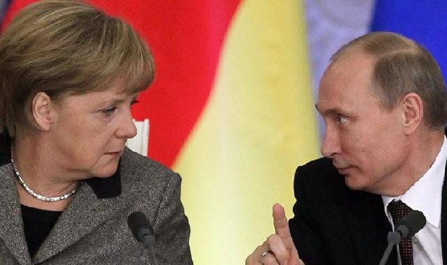 Στη Ρωσία μετά από δύο χρόνια η Μέρκελ για συνάντηση με Πούτιν