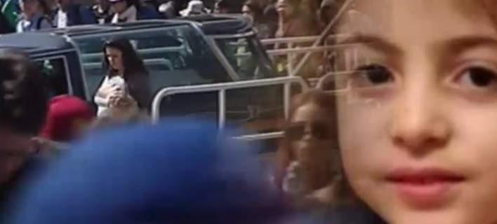 Βουβός θρήνος στην κηδεία της 6χρονης Στέλλας