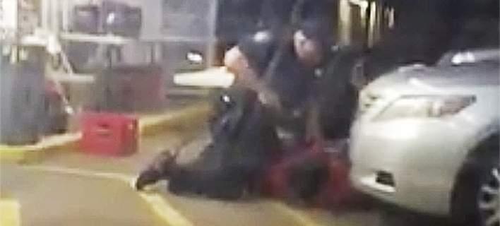 ΗΠΑ: Δεν θα ασκηθεί δίωξη κατά αστυνομικών που σκότωσαν αφροαμερικανό [βίντεο]