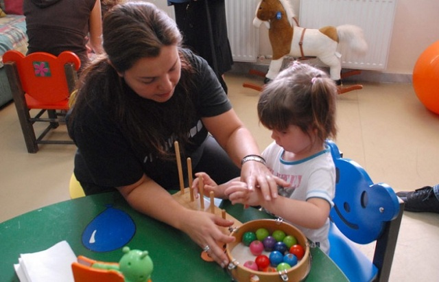 Επί ποδός για κινητοποιήσεις για τους σχολικούς βοηθούς στα ειδικά σχολεία