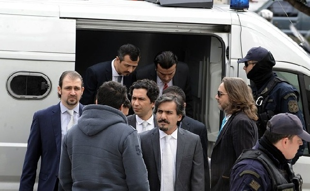 «Όχι» στο αίτημα για την έκδοση δύο εκ των οκτώ Τούρκων στρατιωτικών