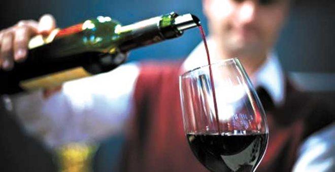 Προς κατάργηση ο ειδικός φόρος κατανάλωσης στο κρασί