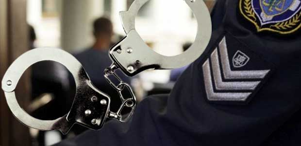 Χειροπέδες σε διοικητή Αστυνομικού Τμήματος για εκβίαση καταστηματάρχη