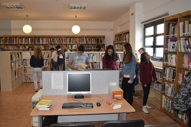 Το Γυμνάσιο Καναλίων στον μαγικό κόσμο της Βιβλιοθήκης Νεάπολης