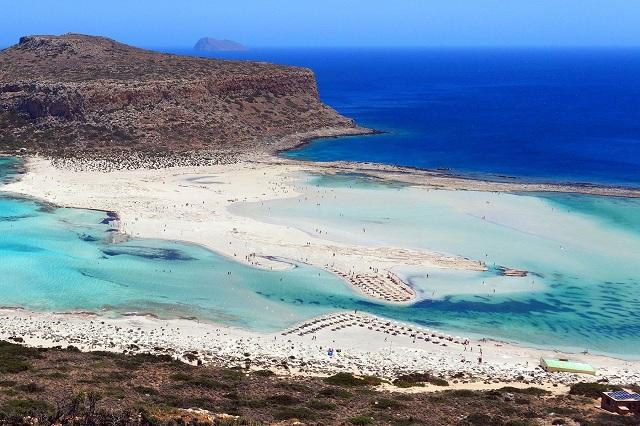 Οι ομορφότερες ελληνικές παραλίες σύμφωνα με το Paris Match