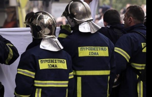 Πυροσβέστες …κούφαναν με κροτίδα συνάδελφό τους