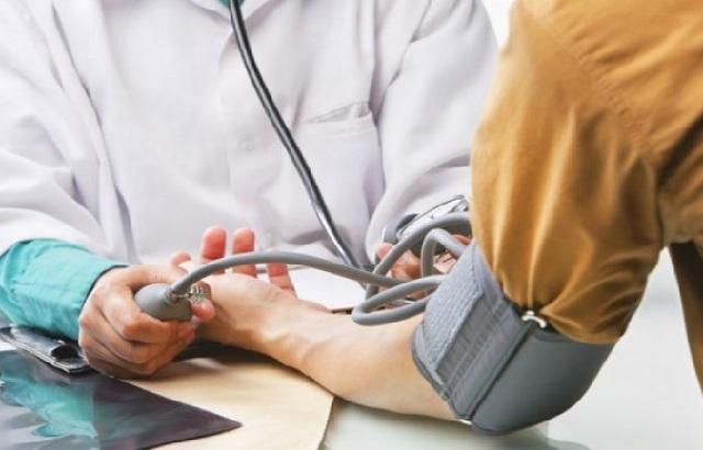 Αδιάγνωστοι και αρρύθμιστοι οι ασθενείς με πίεση