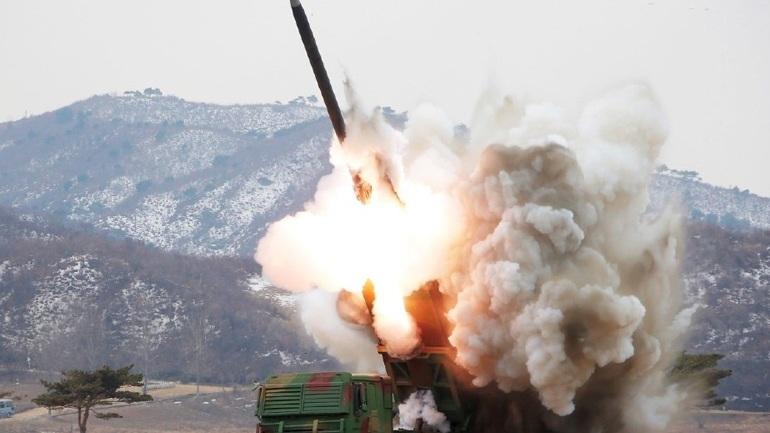 Ιαπωνία: Έντονη διαμαρτυρία για την εκτόξευση βαλλιστικού πυραύλου της Βόρειας Κορέας