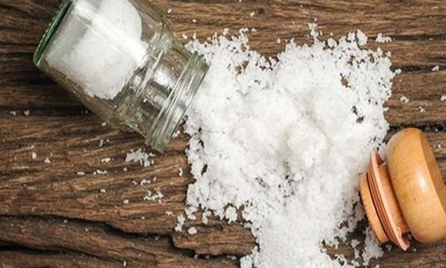 Πώς το σώμα μας λέει ότι πρέπει να κόψουμε το αλάτι;