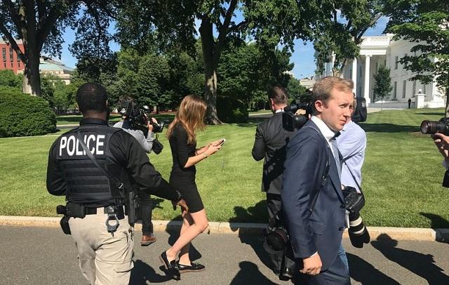 Αγνωστος επιχείρησε να παραβιάσει τα μέτρα ασφαλείας και να μπει στον Λευκό Οίκο