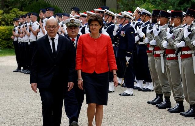 Οι υπουργοί της νέας κυβέρνησης του Ε. Μακρόν