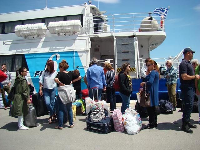 Ξέμειναν στη στεριά... 150 επιβάτες για Σποράδες