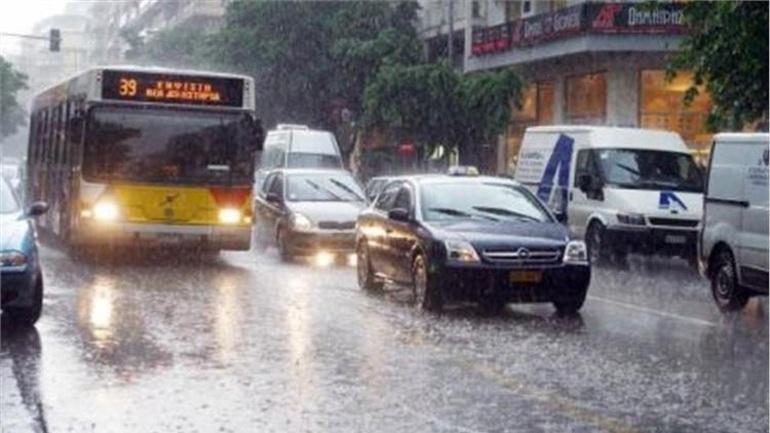 Μικροπροβλήματα από τη βροχόπτωση στη Θεσσαλονίκη