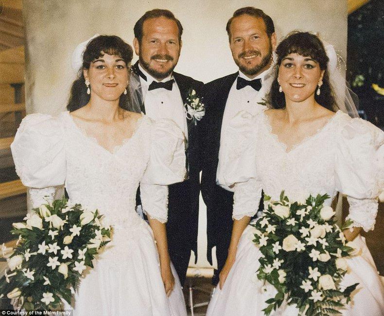 Δίδυμοι παντρεύτηκαν δίδυμες και ζουν όλοι μαζί στο ίδιο σπίτι