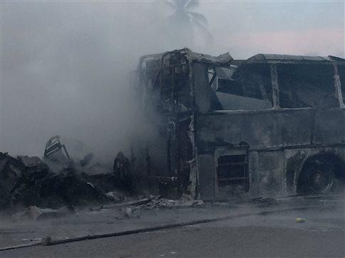 Τραγωδία στο Μεξικό με λεωφορείο που έπεσε σε χαράδρα 90 μέτρων