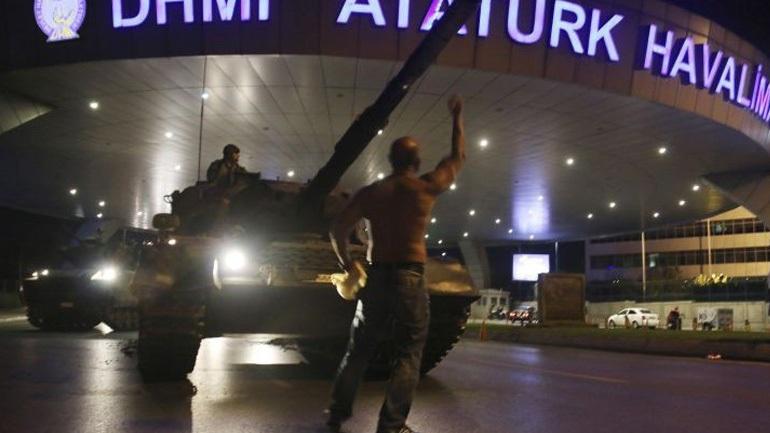 Ξεκίνησε η δίκη των 200 που κατηγορούνται για το στρατιωτικό πραξικόπημα στην Τουρκία