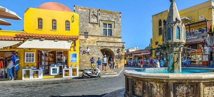 ΑΑΔΕ: Ενισχύει με εφοριακούς top τουριστικούς προορισμούς